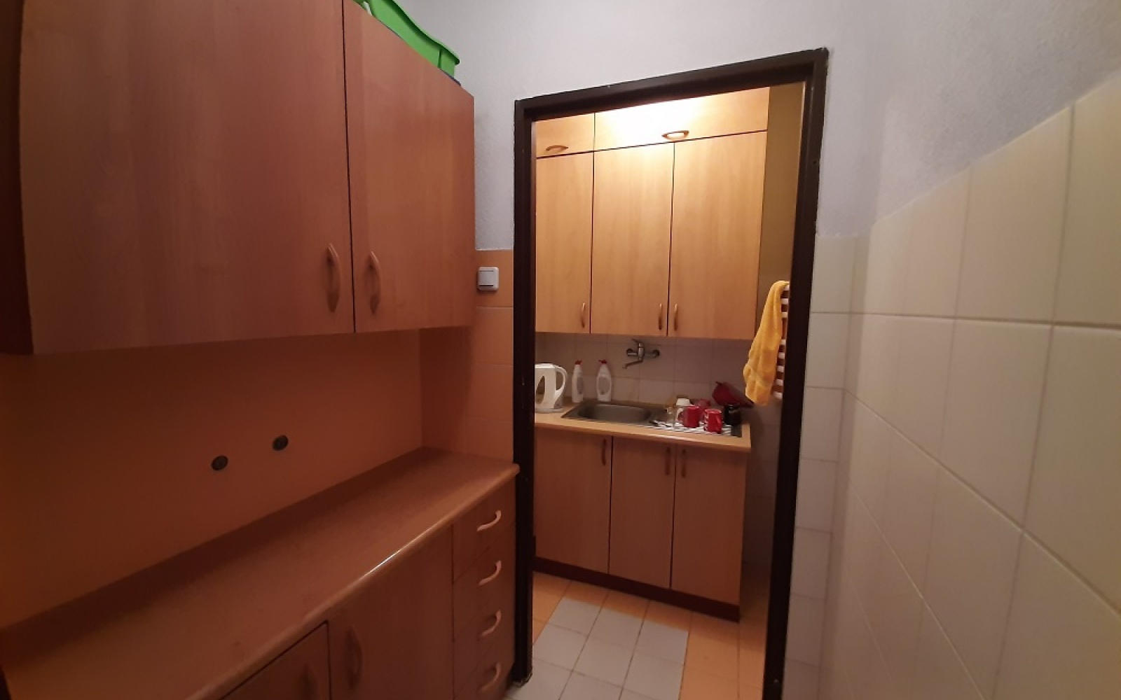 2 BathroomsBathrooms,Lokale użytkowe,Wynajem,1033